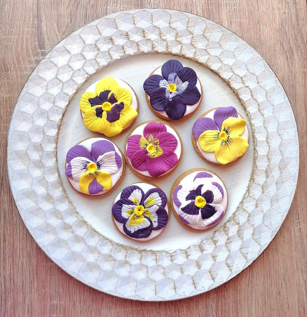 Violet cookies by Ralitza Hristova