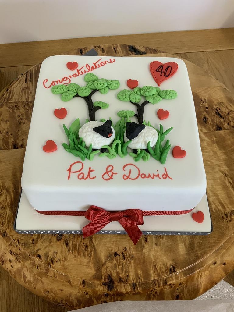 Anniversary cake by milkmade