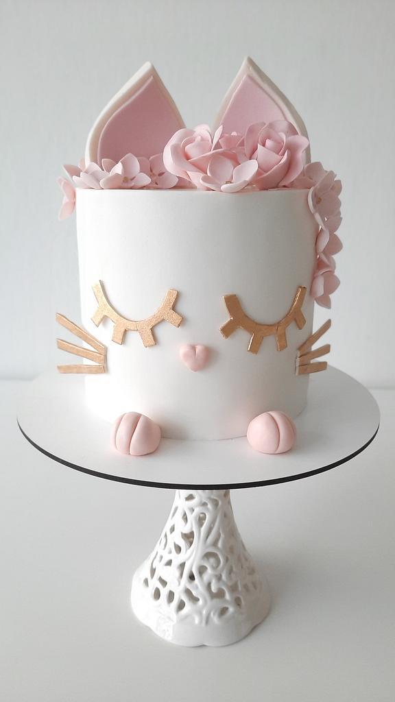 Sweet kitten cake by Silvia Caballero