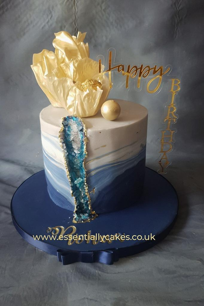 Blue geode by Essentially Cakes