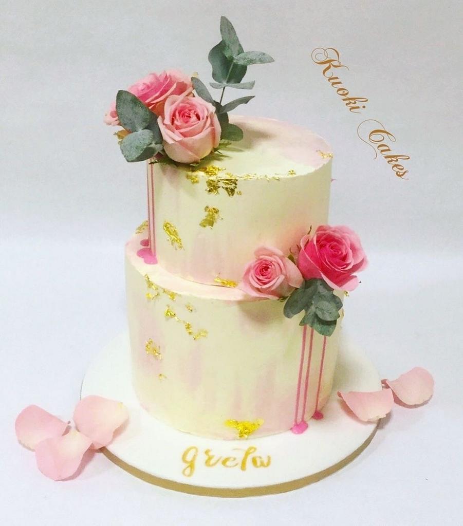 Drip cake Birthday  by Donatella Bussacchetti