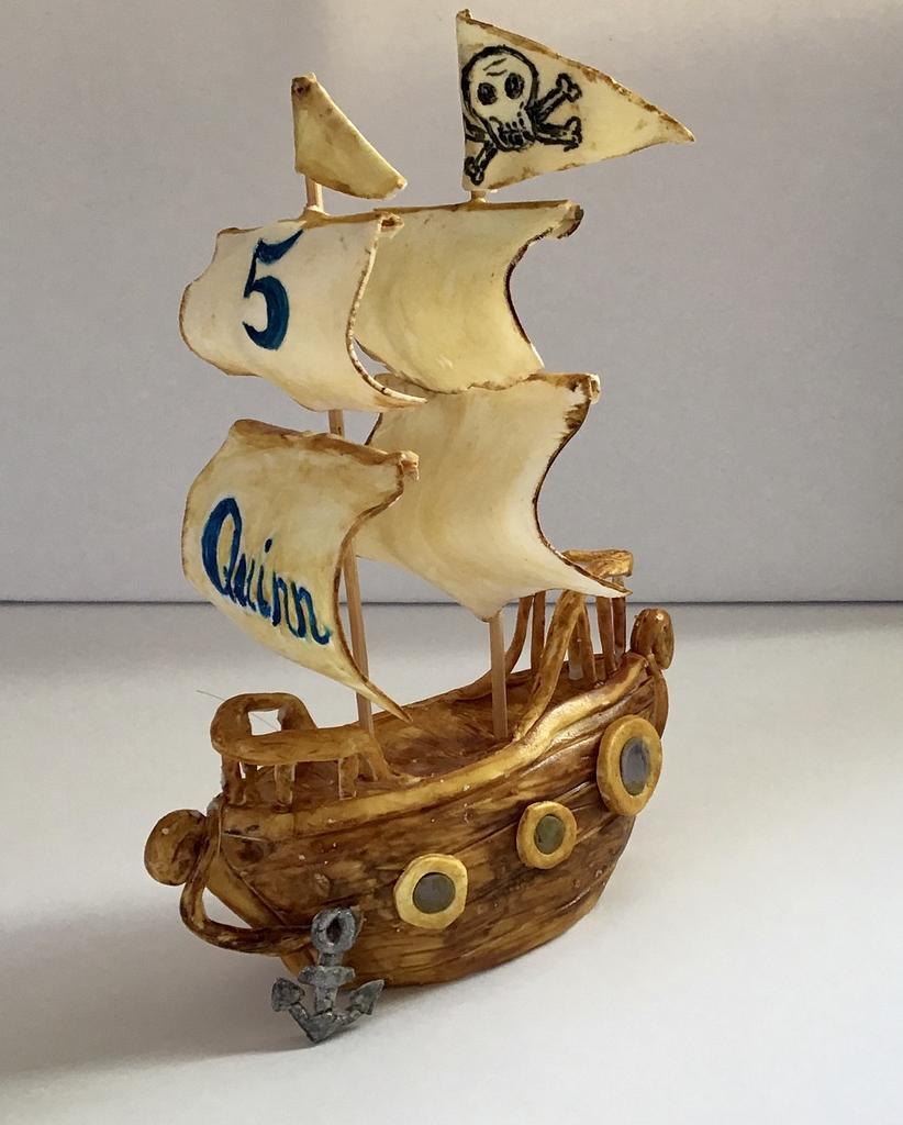 Pirate ship cake topper by Goreti