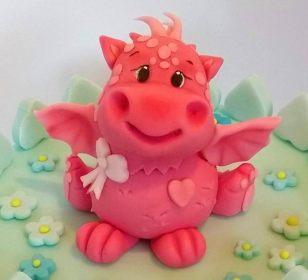 Dragon cake topper by Clara