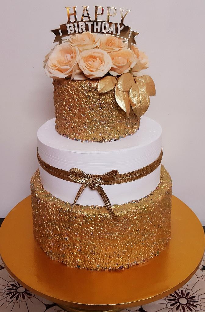 Simple Yet Classy😊 by Svojas Cakes