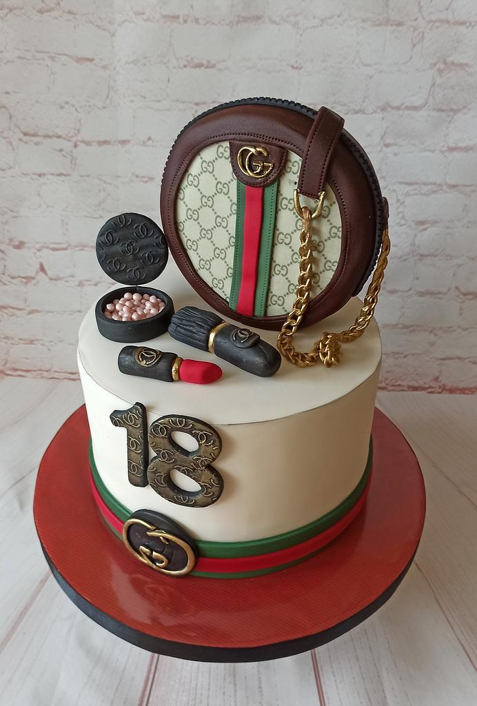 Gucci cake by Jitkap