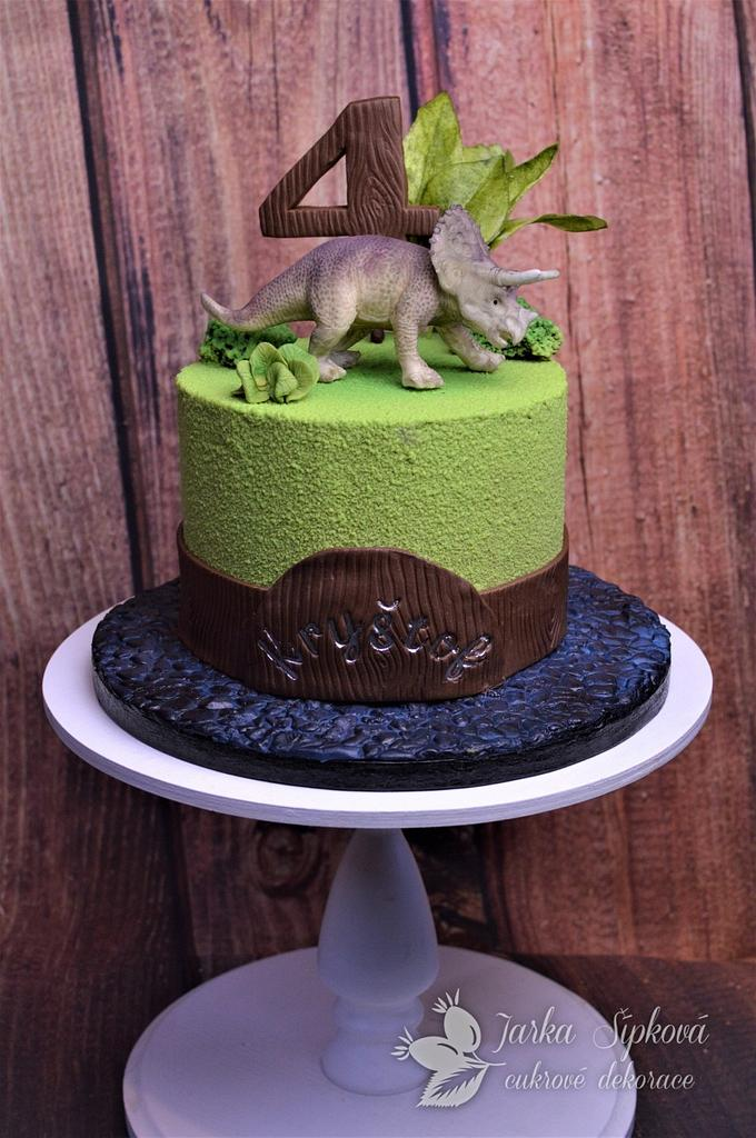 Triceratops Cakes by JarkaSipkova