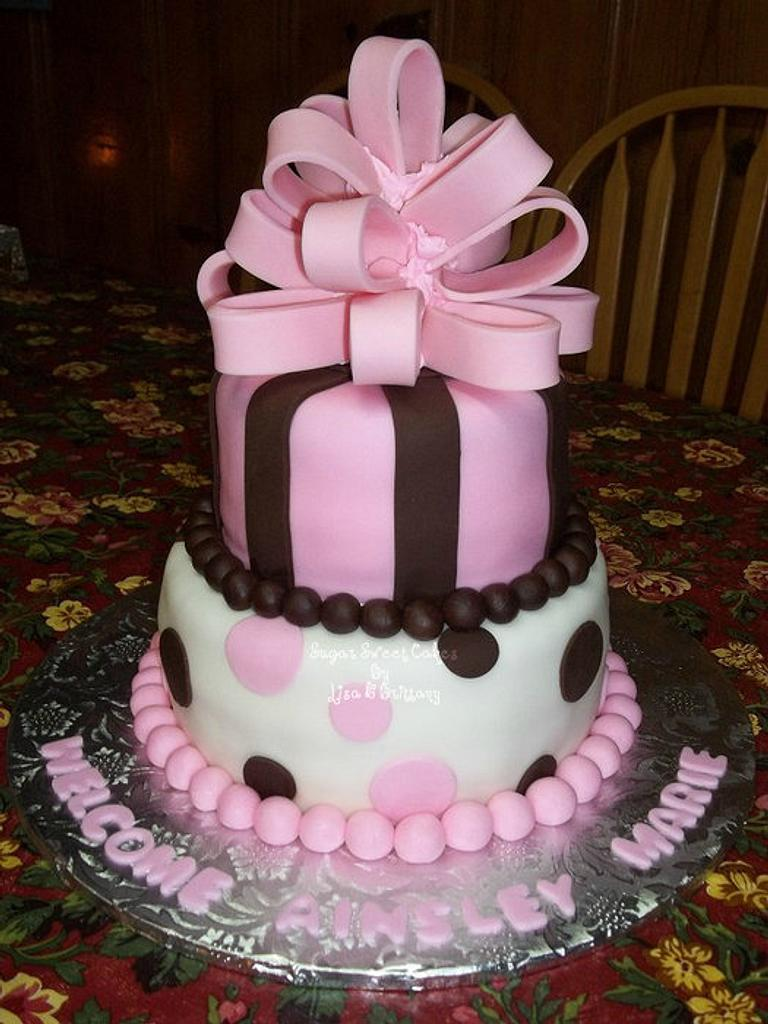 Stripes, Polka Dots, & Bow by Sugar Sweet Cakes