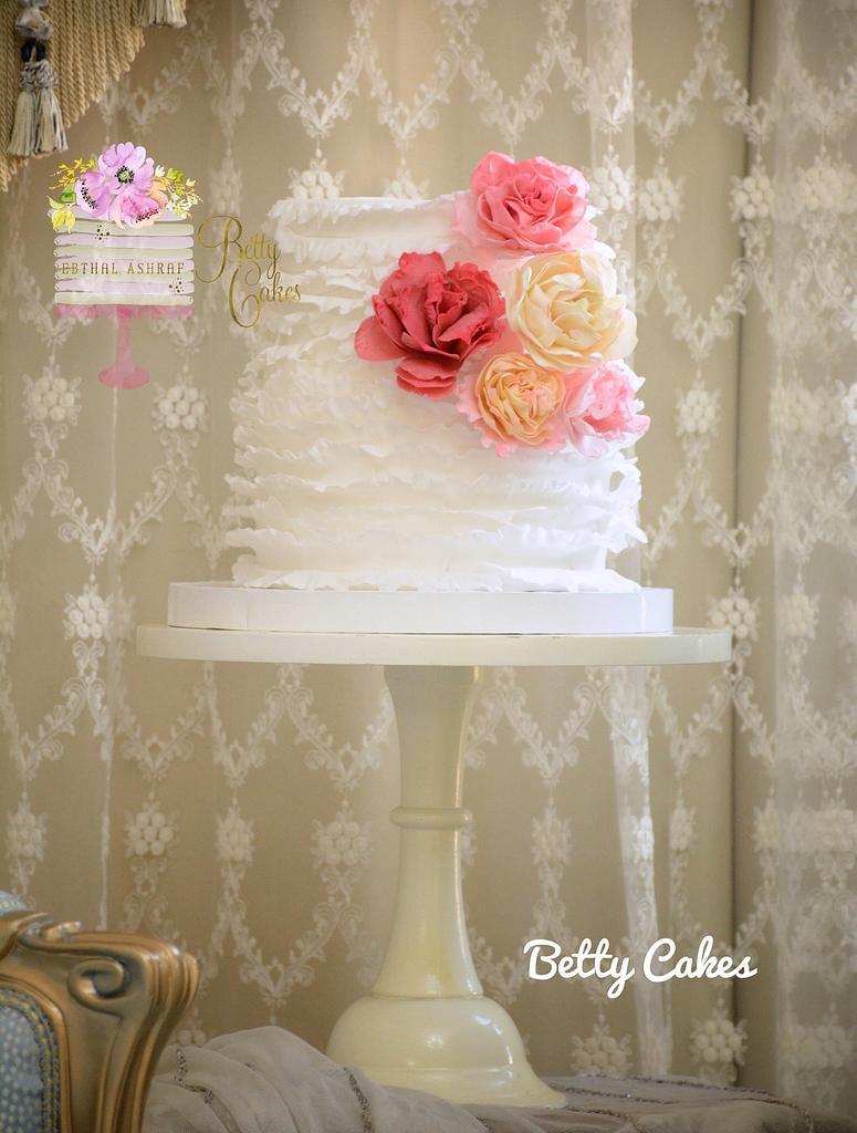 Ruffled wedding cake  by BettyCakesEbthal