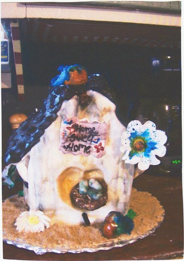 Bird house Cake by Sara