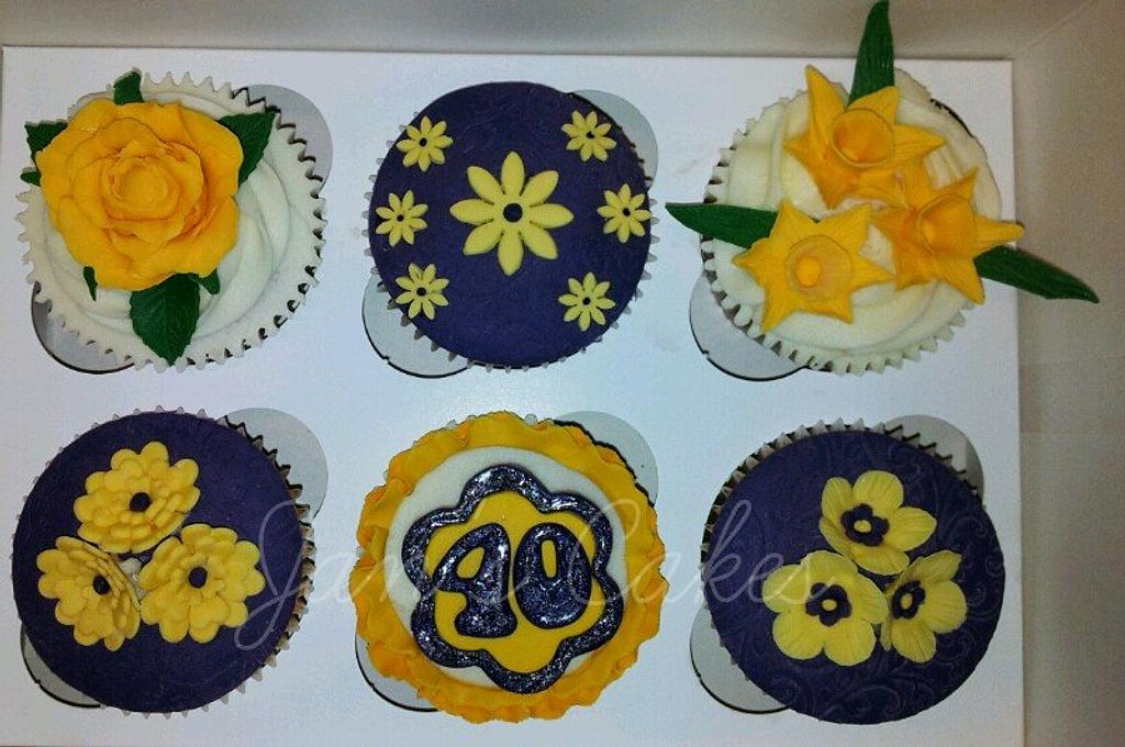 40th Birthday floral cupcakes by Jan