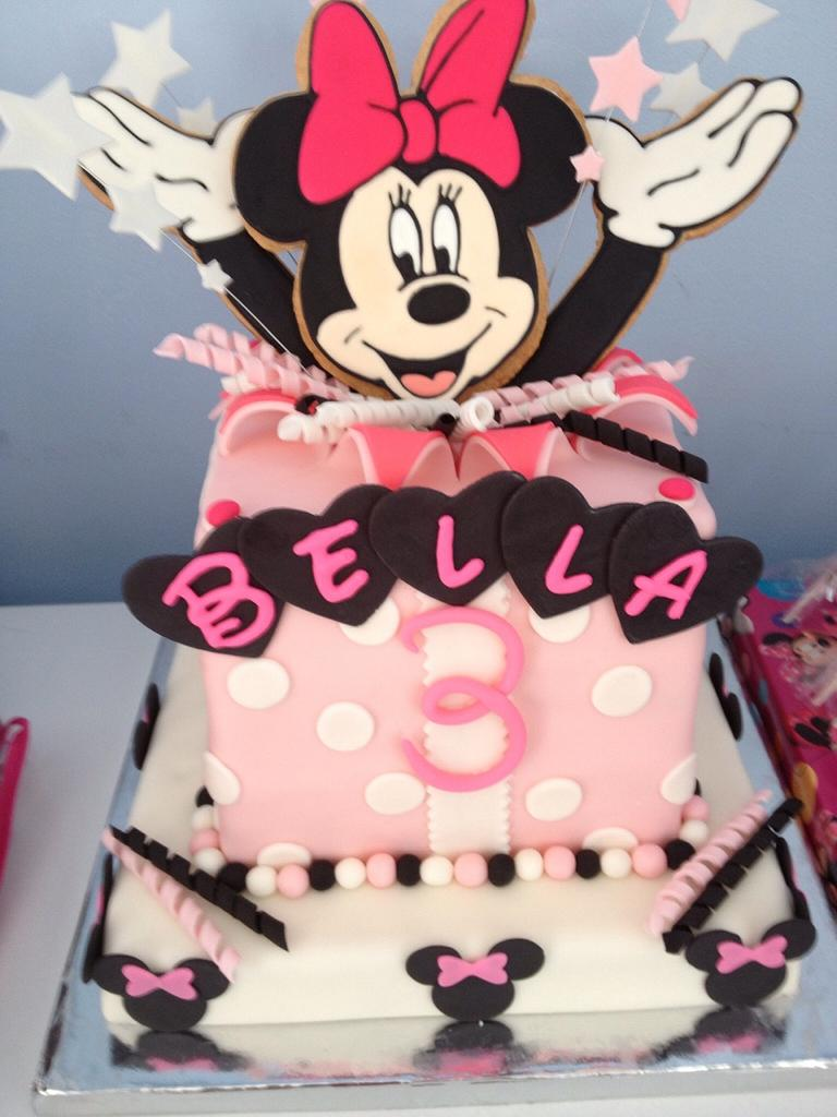 Minnie surprise 2! by Sugared Tiers