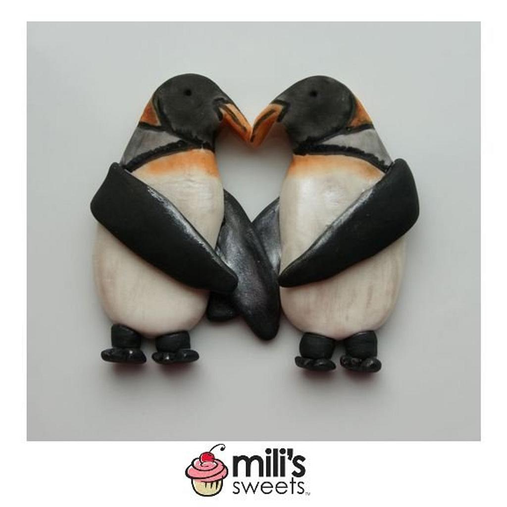 Sweetheart Penguins  by milissweets