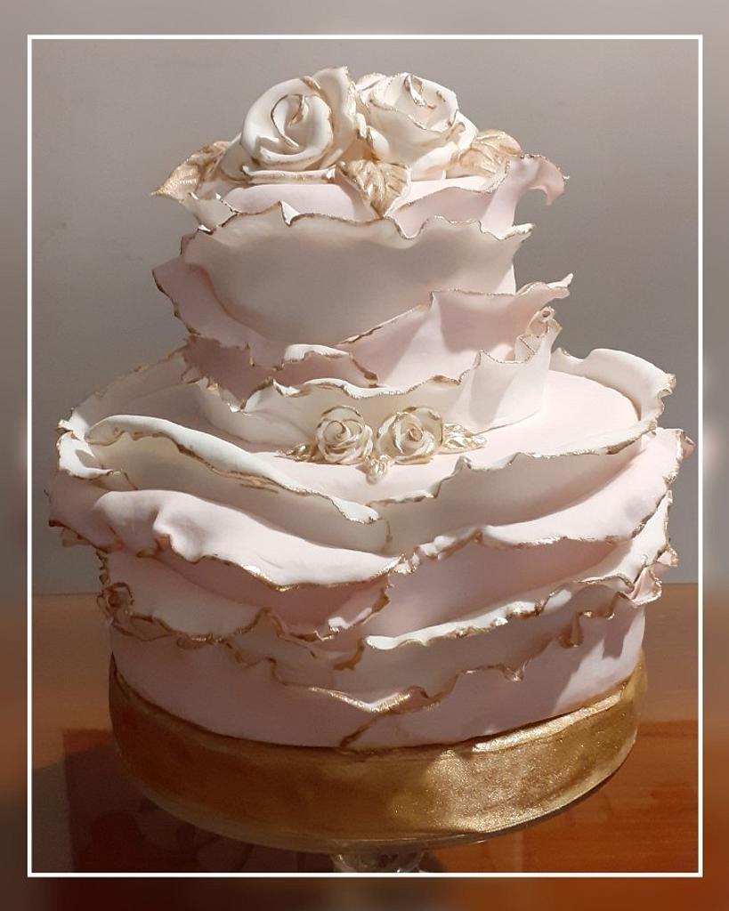 Pink cake by Gisela Gañan