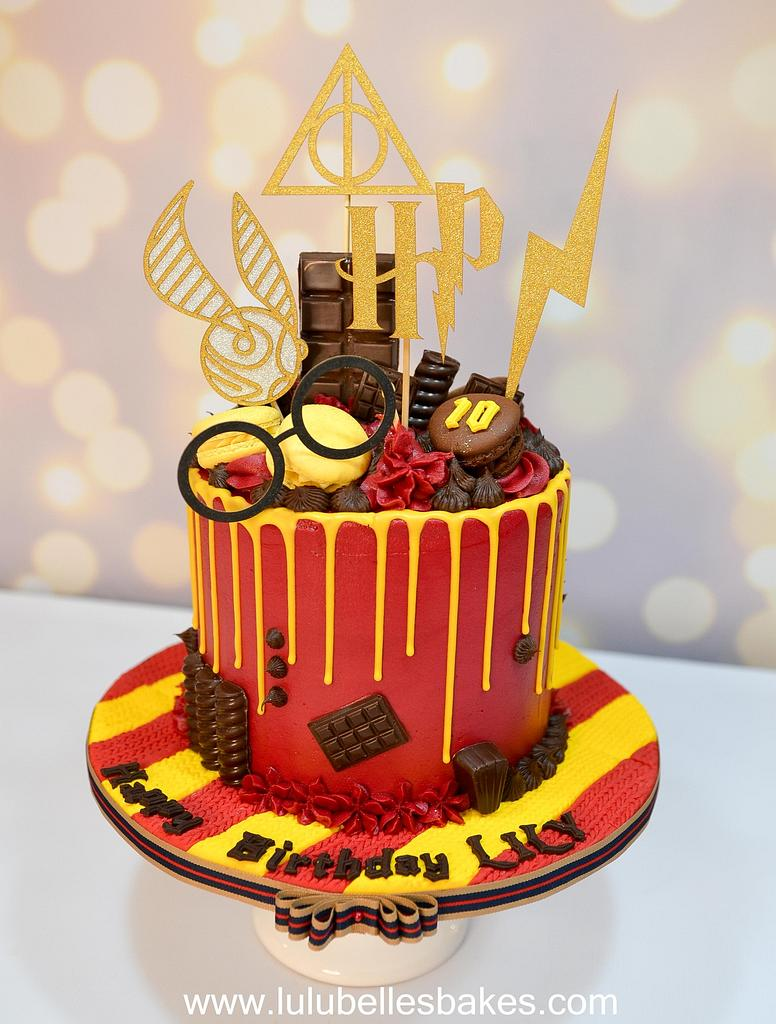 Harry Potter Drip cake by Lulubelle's Bakes