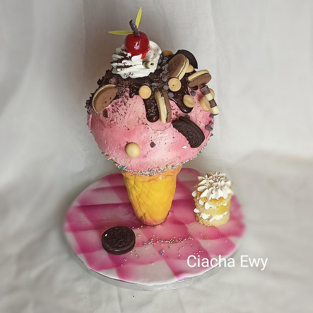 ice cream cake 3 d by Ewa