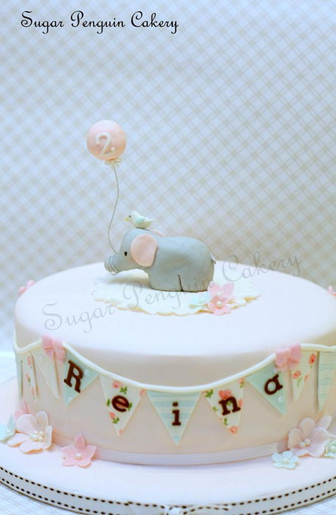 Style Me Gorgeous' elephant and balloon by Ivone - Sugar Penguin Cakery