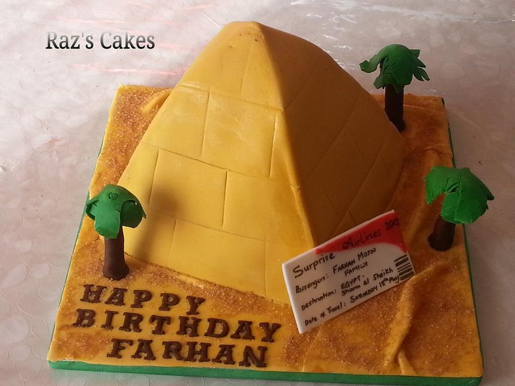 Pyramid cake by RazsCakes