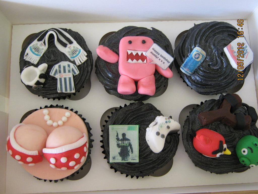 novelty cupcakes by Sue
