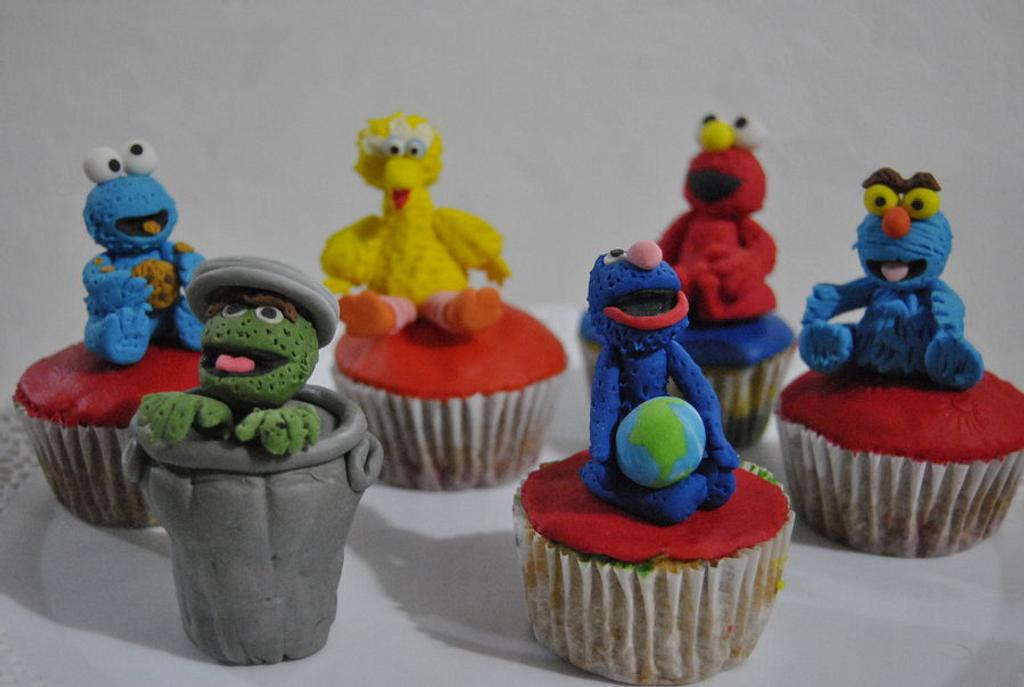 PLAZA SESAMO CUPCAKES by Hellen