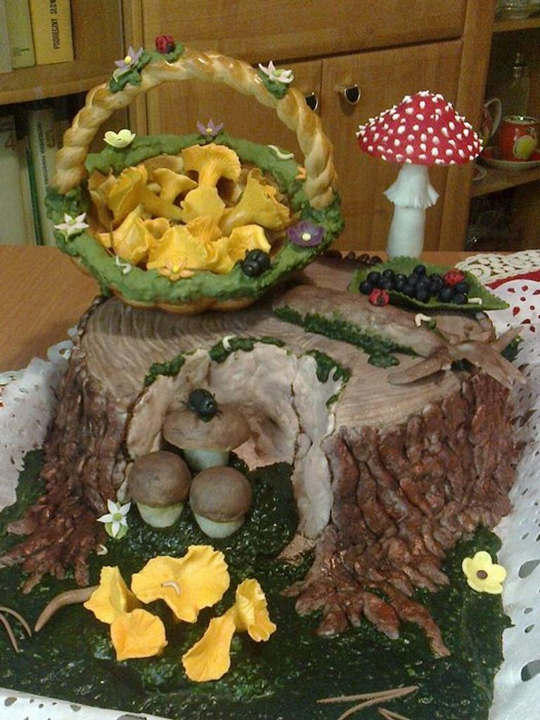 Tree trunk cake by Bożena