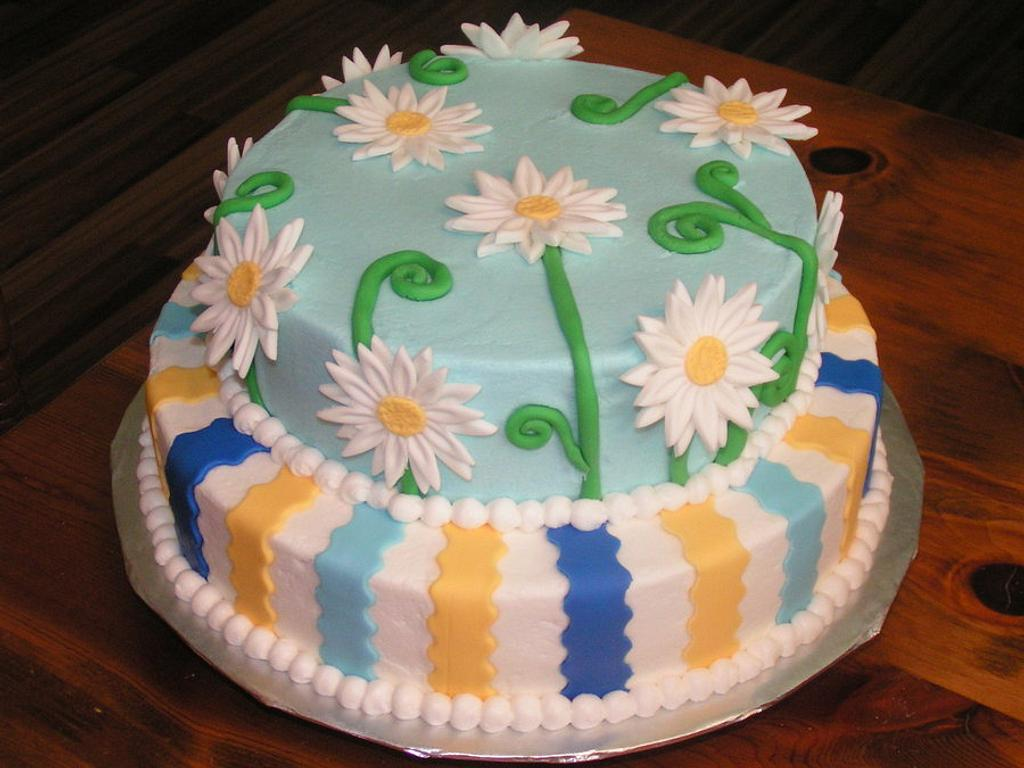 Daisies and stripes by Cake Creations by Christy