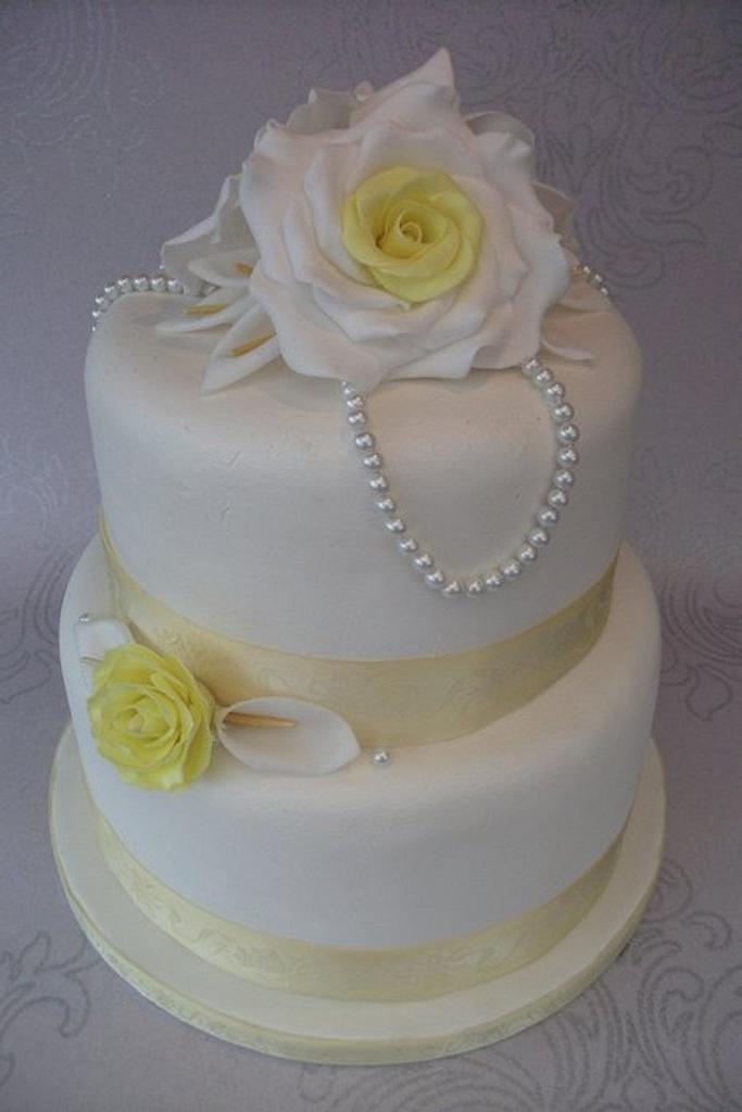 Vintage yellow rose wedding cake by Lyndsey Statham
