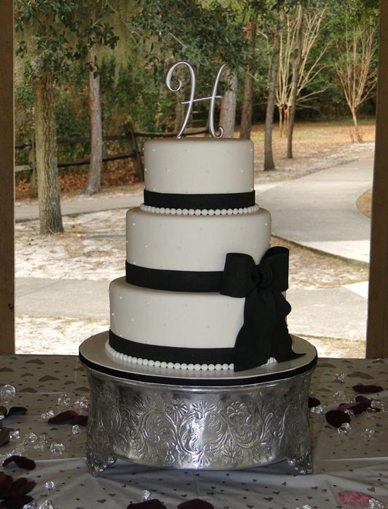 Black & White Wedding by Elisa Colon