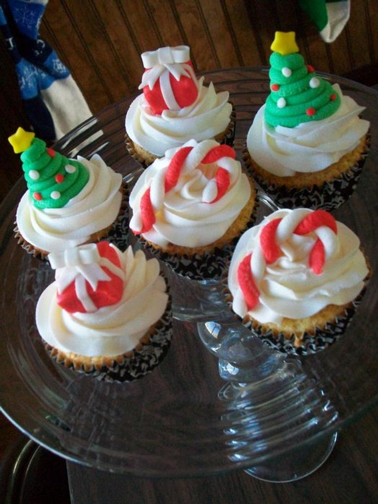 Christmas Cupcakes by Heather