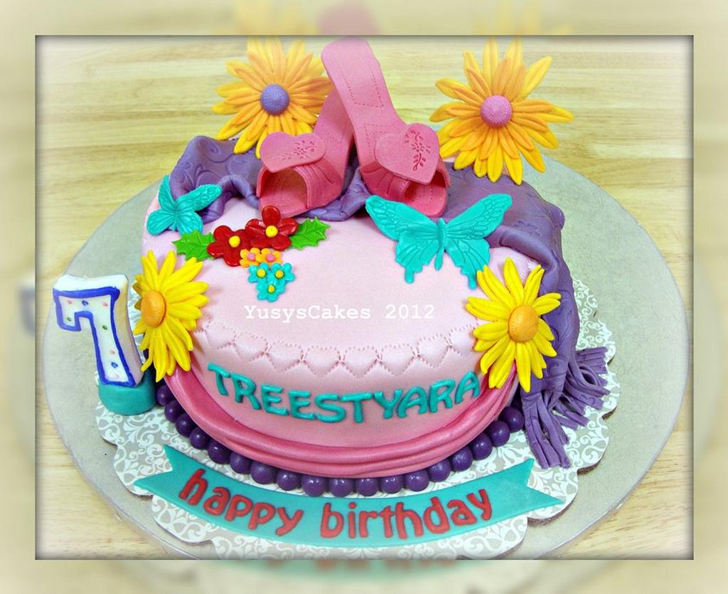 Shoes and Flowers Cake by Yusy Sriwindawati