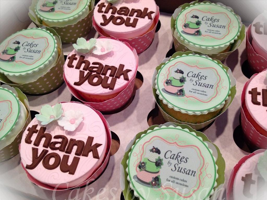 Logo cupcakes by Skmaestas