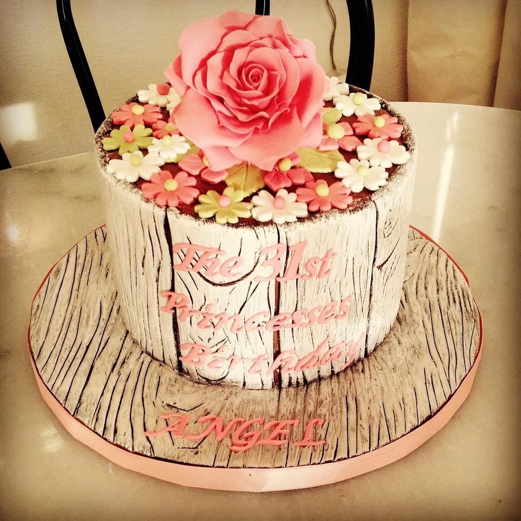 31st lady birthday cake by Rêves et Gourmandises