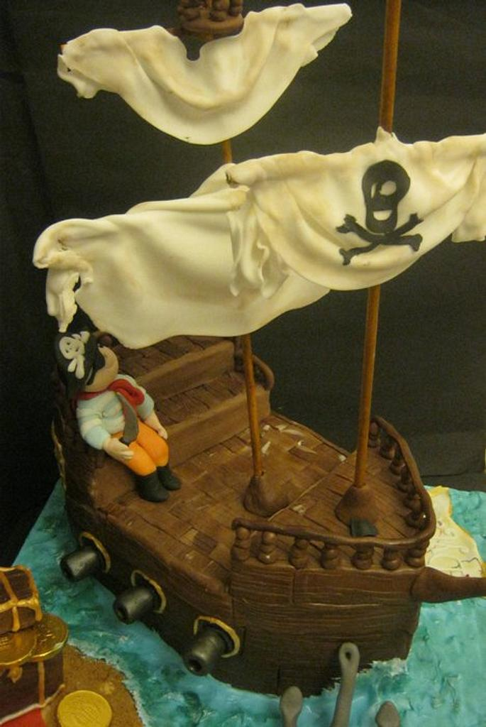 Pirate ship by Essentially Cakes