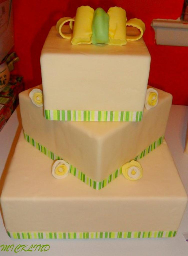 ENGAGEMENT CAKE by Linda