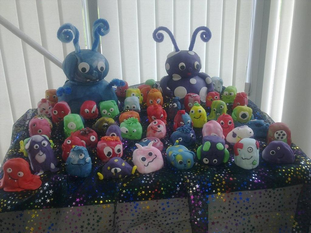 Monsters and alien wedding cake by Helen C of Colliwobble Cakes