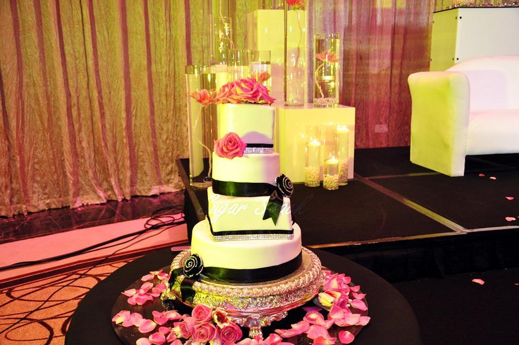 wedding cake by shahin