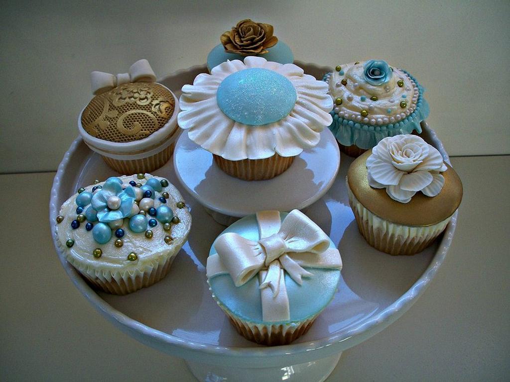 Cupcakes by sarahf