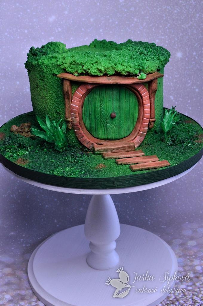 Cake hobbit bilbo's house by JarkaSipkova