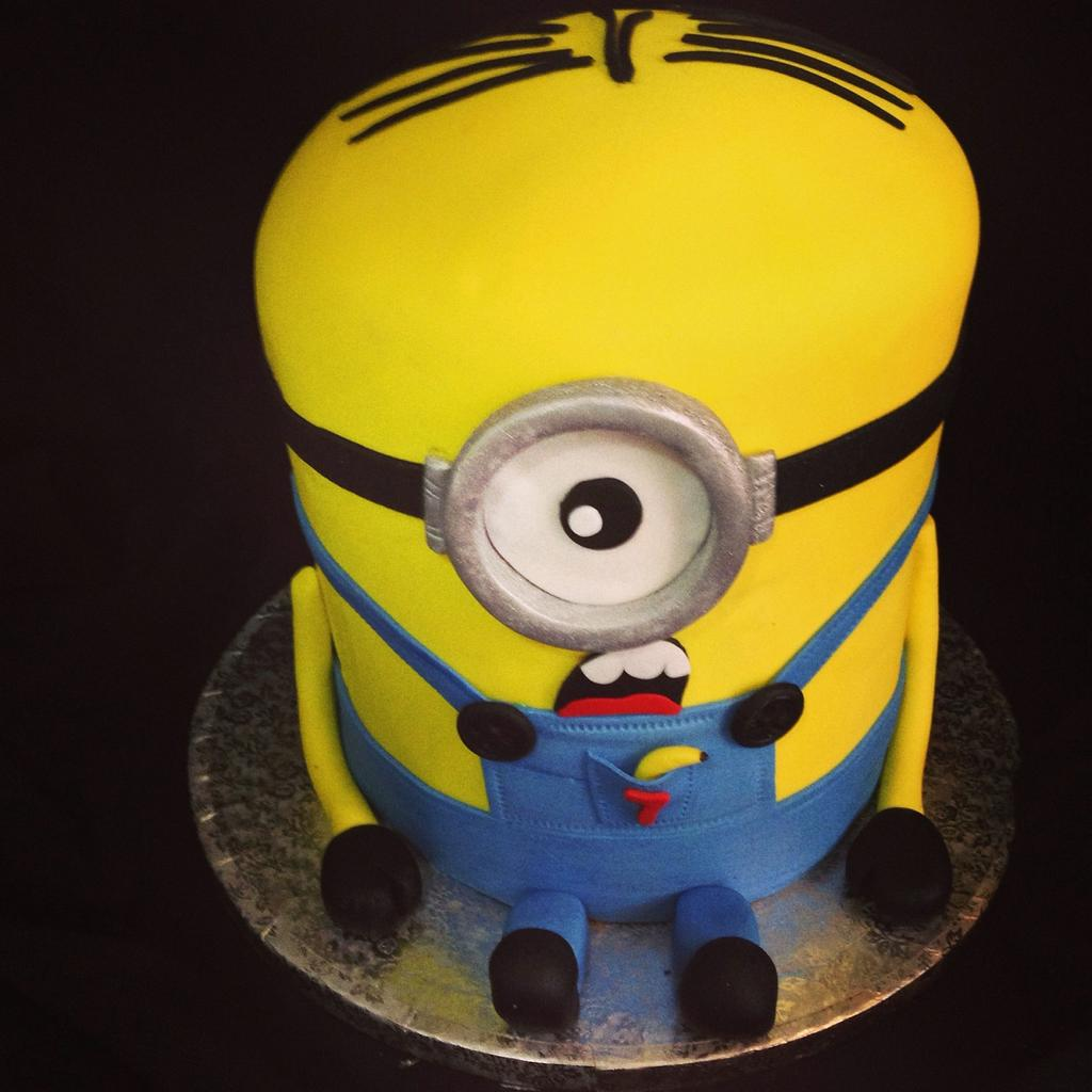Minions cake by DeliciasGloria