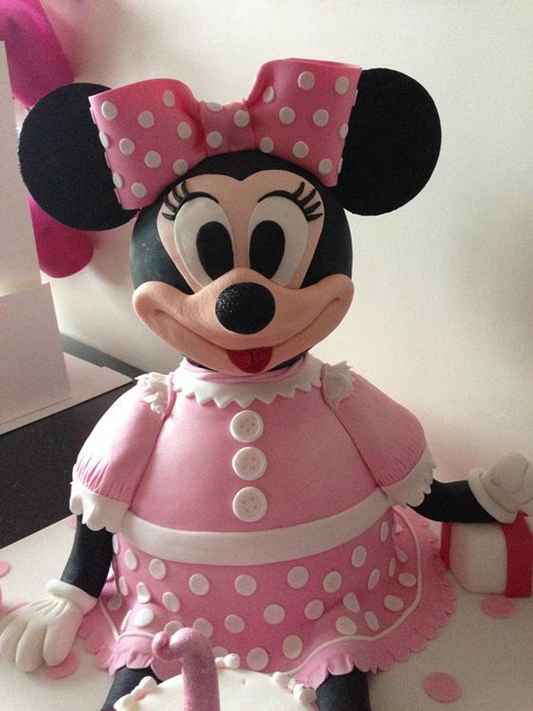 Minnie Mouse with balloon  by Donnajanecakes