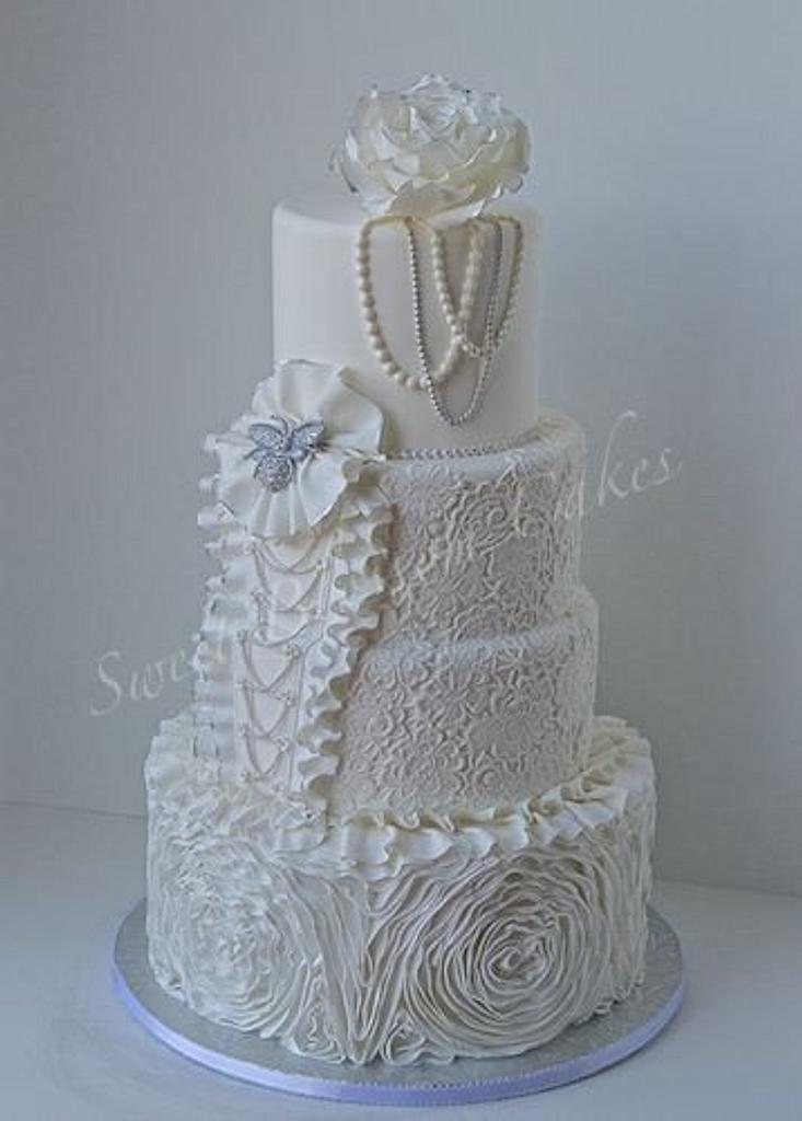 Ruffles wedding cake by Tatyana