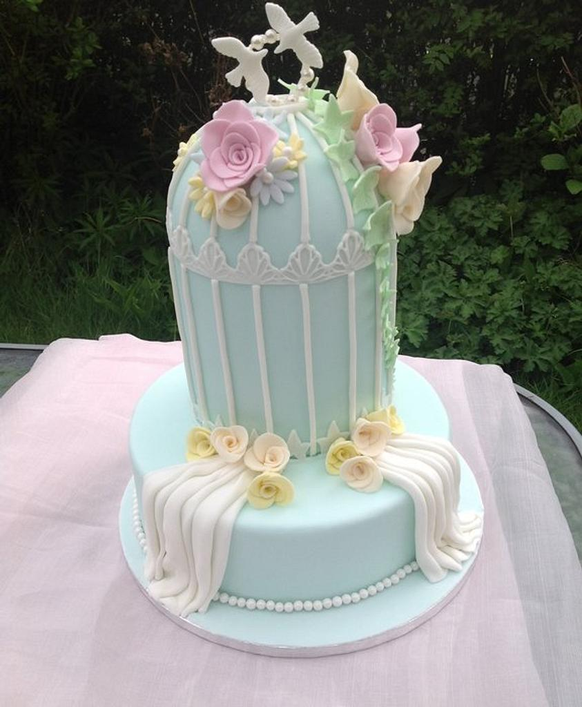 My first birdcage cake by Pamscakes1