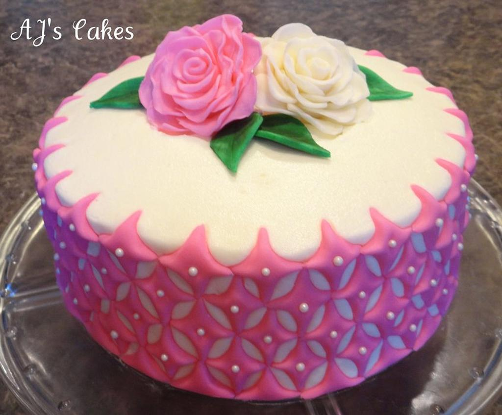 Diamonds and Roses Cake by Amanda Reinsbach