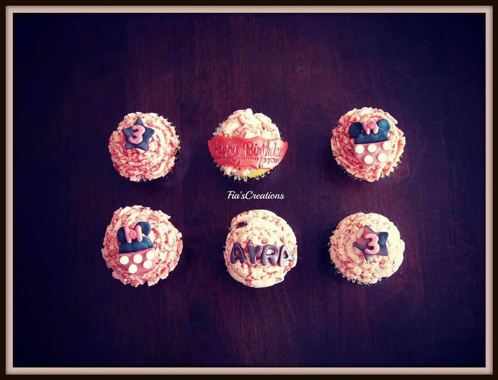 Pink Minnie Mouse Kupcakes by FiasCreations