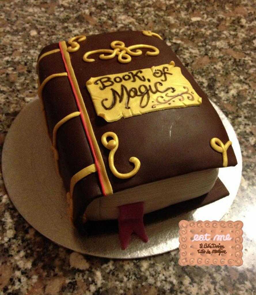 Book of Magic Cake by Moira
