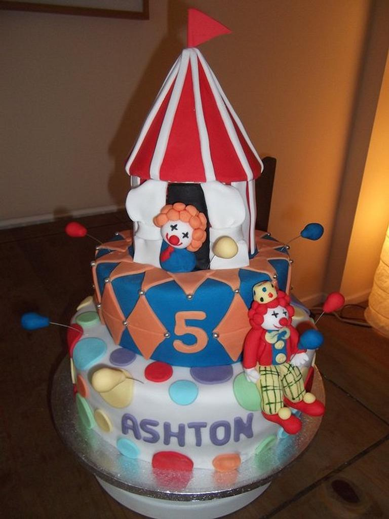 Circus themed cake by Claire