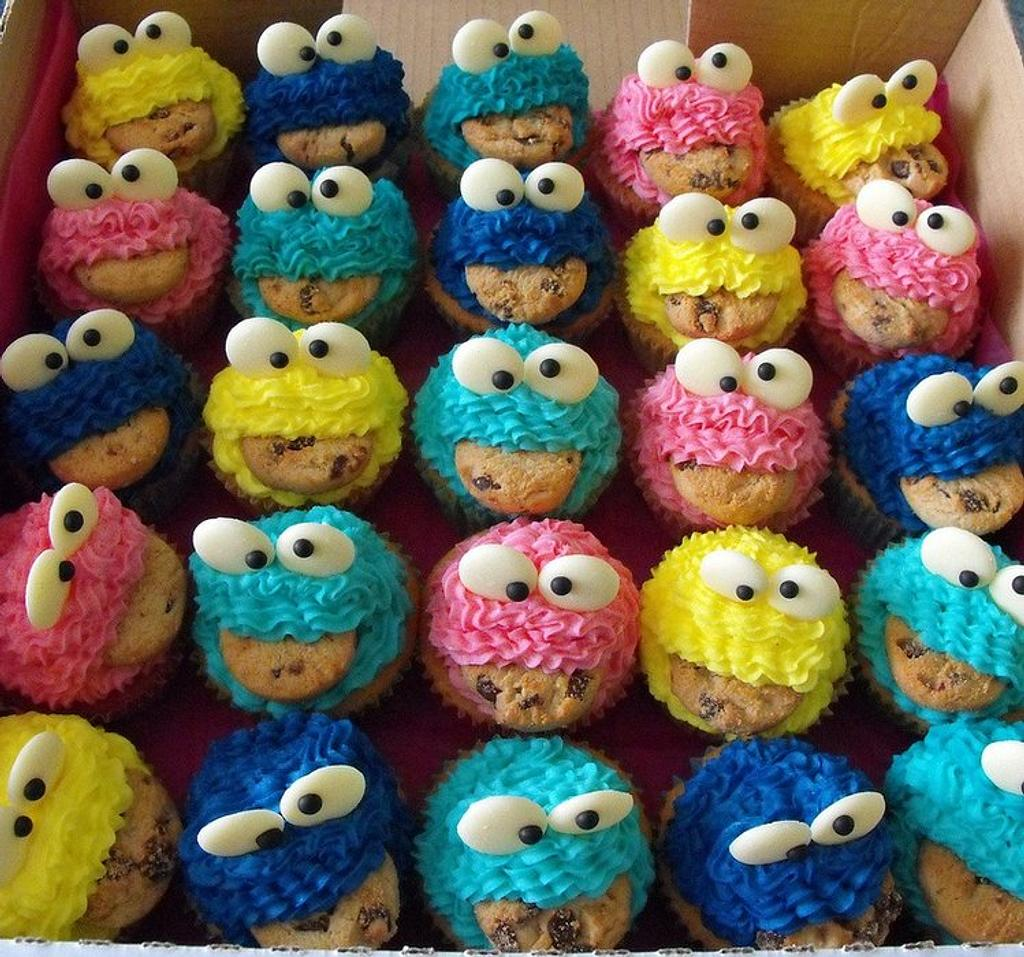 Cookie Monster Cupcakes in Colour by Melissa's Cupcakes