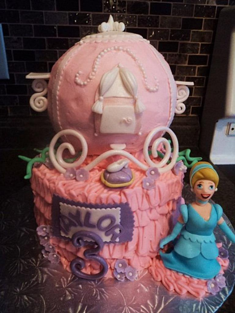 Cinderella Carriage by The Cakery