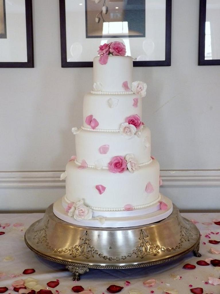 Rose petal cake by Melissa Woodland Cakes