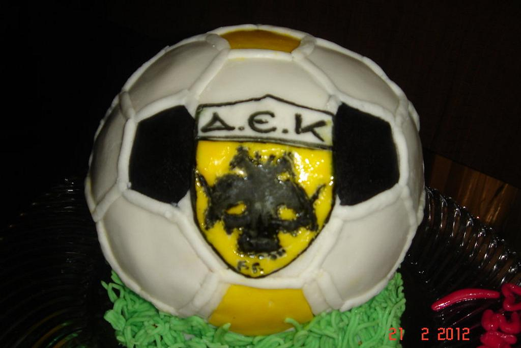 3D ball cake by daniela