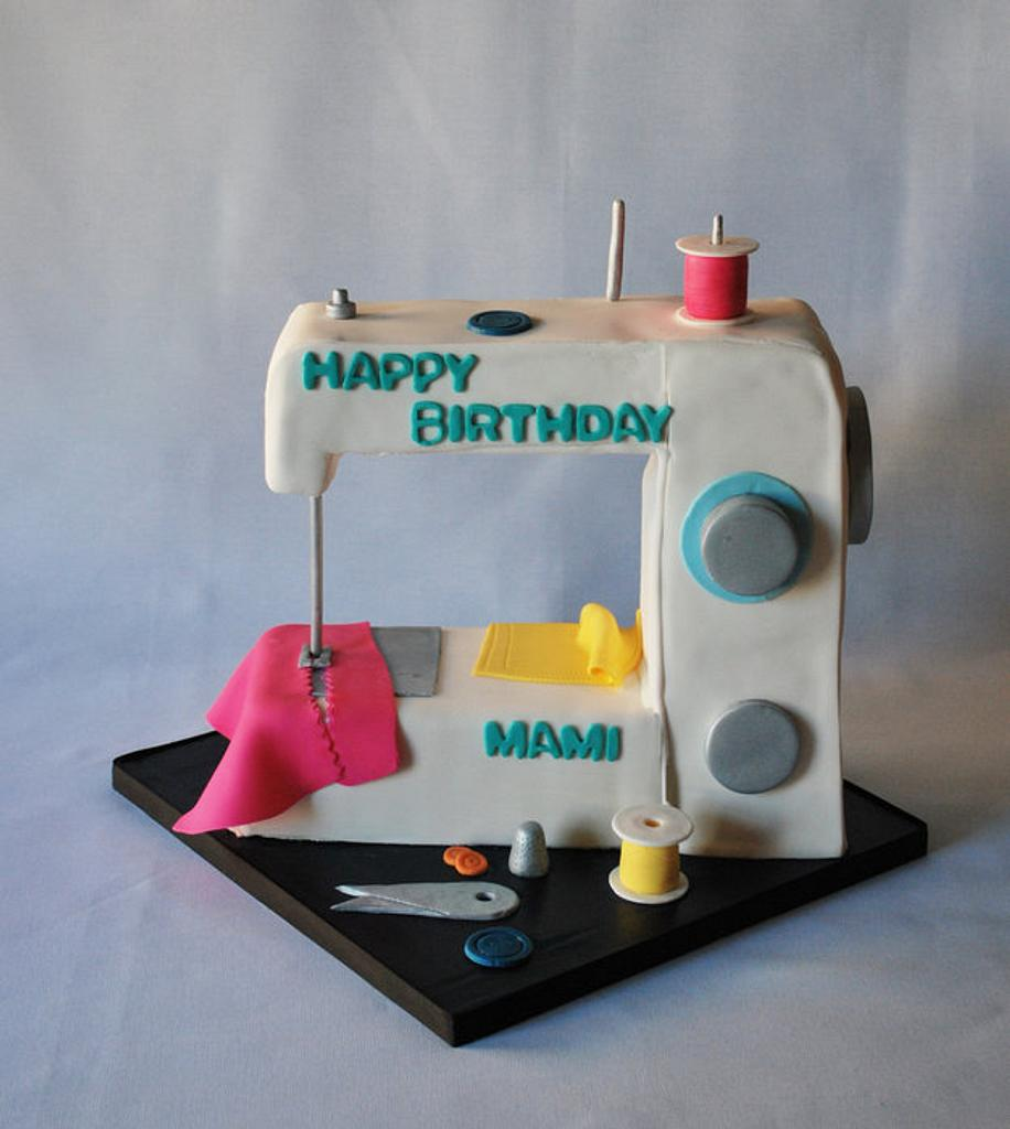 Sewing Machine Cake by Karen